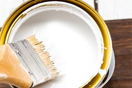 写真:白い塗料
