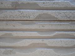 H28.11月所沢市K様邸外壁塗装屋根塗装施工前サイディング隙間.jpg