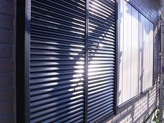 H29.2月東松山市吉岡様邸外壁塗装付帯塗装雨戸.jpg