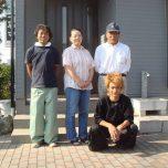 「埼玉県越谷市S様邸は外壁を光触媒、屋根をフッ素樹脂塗料のルミステージで施工「新品以上になったドアは自慢です♪」」サムネイル