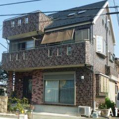 「埼玉県入間市のO様邸は2色塗り分けでくっきりレンガ模様に。外壁はパーフェクトトップで屋根はユメロックで施工」サムネイル