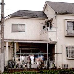「埼玉県川越市 吉田様邸、ヒビの入った外壁を浸透性プライマー、微弾性フィラーで強化」サムネイル