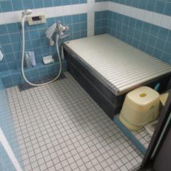 「浴室リフォーム工事で壊して発見、壁の中の腐れ」サムネイル