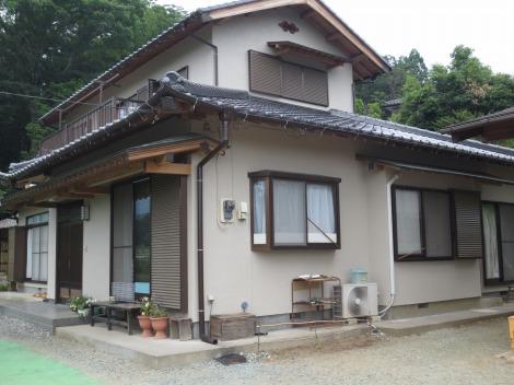 「埼玉県越生町 古い軒裏が明るく生まれ変わりました! 軒裏あく洗い 外壁パーフェクトトップ」サムネイル