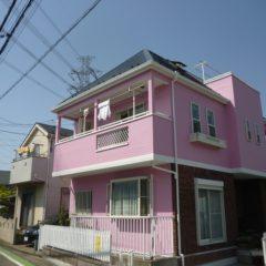 「埼玉県川越市の中村様邸は華やかピンクでイメージ一新!外壁をアレスダイナミックTOPで屋根をサンフロンUVで塗り替え」サムネイル