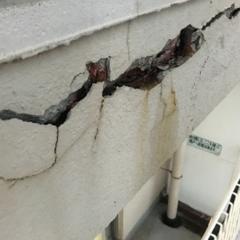 「マンションの外壁塗装前の雨漏りや爆裂の処理方法について。」サムネイル
