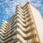 「一戸建てとは違う、マンションやアパートの外壁塗装の色を選ぶ際に気をつけたいポイント7つ。」サムネイル
